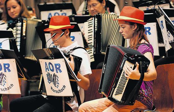 Akkordeon-Orchester Rorschach beim Jahreskonzert im Stadthof